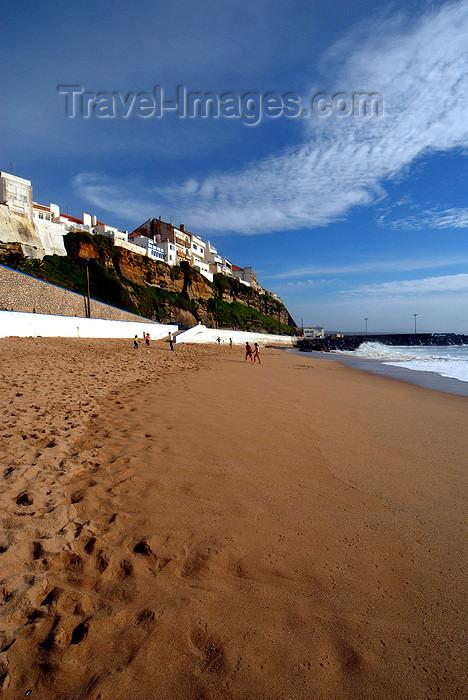 portugal-li322: Ericeira, Mafra, Portugal: beach and cliffs - falésias sobre a praia - photo by M.Durruti - (c) Travel-Images.com - Stock Photography agency - Image Bank