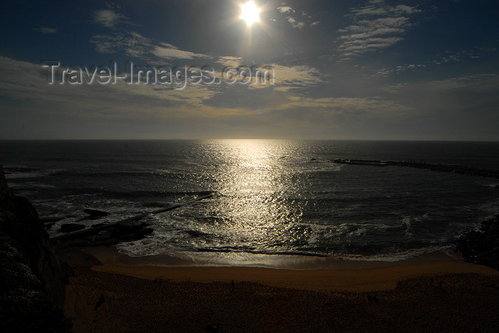 portugal-li327: Ericeira, Mafra, Portugal: sun and ocean - Praia dos Pescadores - sol e oceano photo by M.Durruti - (c) Travel-Images.com - Stock Photography agency - Image Bank