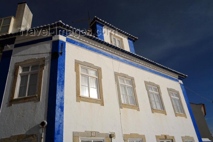 portugal-li328: Ericeira, Mafra, Portugal: façade in the sun - fachada ao sol - photo by M.Durruti - (c) Travel-Images.com - Stock Photography agency - Image Bank