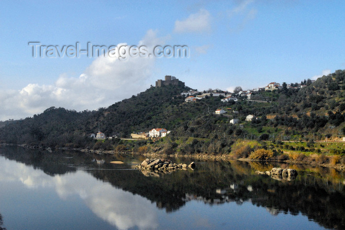 portugal-pa41: Belver (Gavião municipality) - Portugal: the town and the river Tagus - reflection - a vila e o rio Tejo - reflexo - photo by M.Durruti - (c) Travel-Images.com - Stock Photography agency - Image Bank