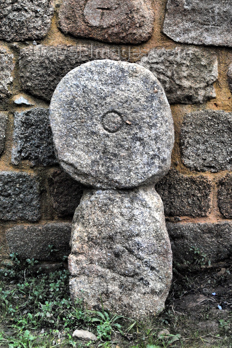 portugal-pa45: Belver (Gavião municipality) - Portugal: pre-Roman stone icon in the castle - escultura pré-Romana no castelo - photo by M.Durruti - (c) Travel-Images.com - Stock Photography agency - Image Bank