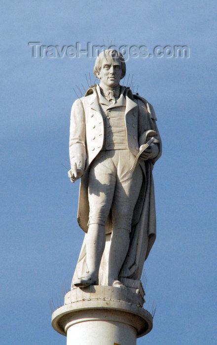 portugal-se157: Portugal - Setúbal: statue of Manuel Maria Barbosa du Bocage, 18th century Portuguese erotic poet / estátua de Bocage, poeta erótico - photo by M.Durruti - (c) Travel-Images.com - Stock Photography agency - Image Bank