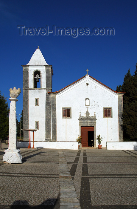 portugal-se169: Portugal - Sesimbra: Our Lady of the Castle church - Igreja de Nossa Senhora do Castelo - photo by M.Durruti - (c) Travel-Images.com - Stock Photography agency - Image Bank