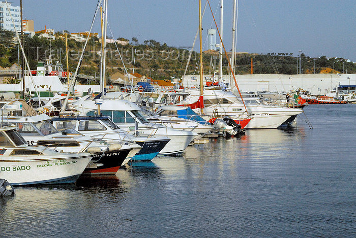 portugal-se74: Portugal - Setúbal: yachts in the marina / a marina - Doca de Recreio das Fontaínhas - APSS - photo by M.Durruti - (c) Travel-Images.com - Stock Photography agency - Image Bank
