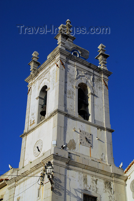 portugal26: Sesimbra, Portugal: belfry - Santiago church - torre sineira - Igreja Matriz de Santiago - igreja quinhentista, de transição entre o estilo manuelino e o renascimento - photo by M.Durruti - (c) Travel-Images.com - Stock Photography agency - Image Bank
