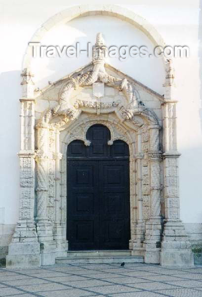 http://www.travel-images.com/pht/portugal8.jpg