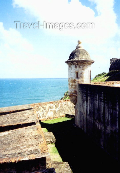 puerto-rico18: Puerto Rico - San Juan: guerite over the Caribbean sea - San Cristobal fort / garita sobre el Carib - Fuerte San Cristobal - photo by M.Torres - (c) Travel-Images.com - Stock Photography agency - Image Bank