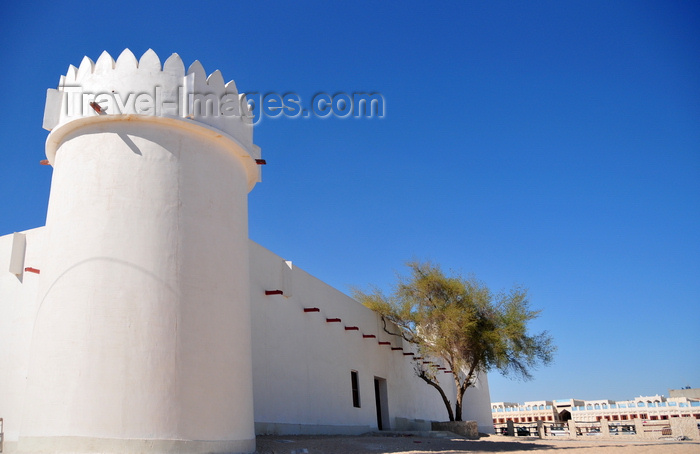qatar23: Doha, Qatar: Kuwt / Khoot / Koot fort, 19th century Turkish fortification later used as a prison - east side and Souq Waqif - photo by M.Torres - (c) Travel-Images.com - Stock Photography agency - Image Bank