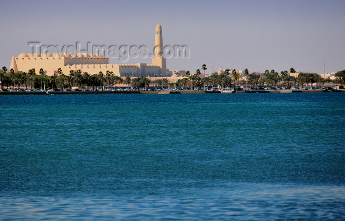qatar34: Doha, Qatar: State Mosque, aka Sheikh Muhammad Ibn Abdul Wahhab Mosque - architecture inspired in the Al Qubib mosque - photo by M.Torres - (c) Travel-Images.com - Stock Photography agency - Image Bank