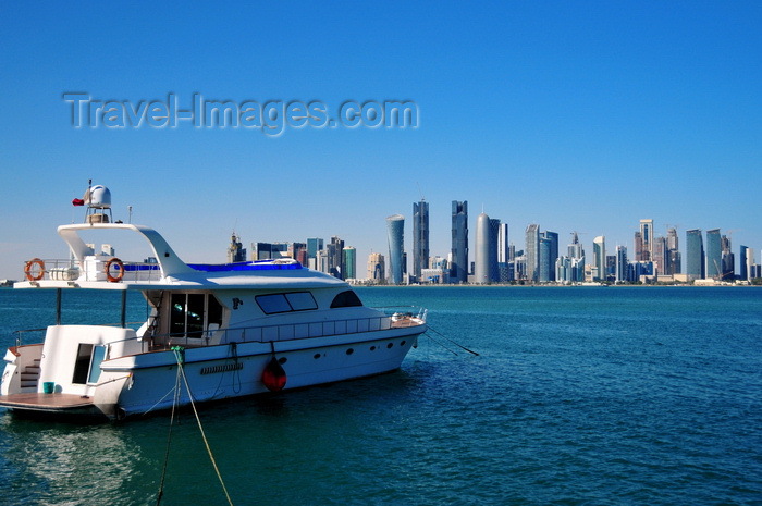 qatar47: Doha, Qatar: yacht and West Bay skyline from the south side of Doha Bay - Doha skyscrapers - photo by M.Torres - (c) Travel-Images.com - Stock Photography agency - Image Bank