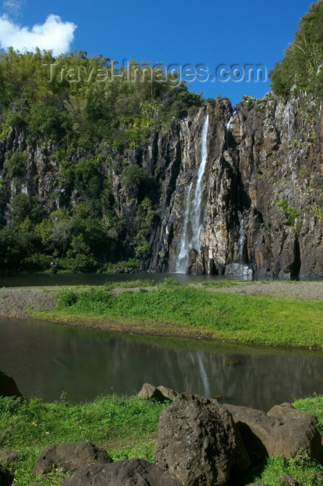 reunion119: Réunion (north-east) - Sainte-Suzanne: Niagara waterfall and the valley - photo by Y.Guichaoua - (c) Travel-Images.com - Stock Photography agency - Image Bank