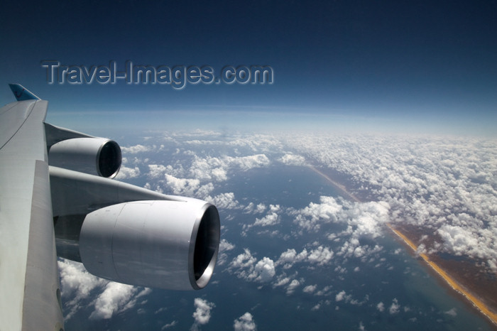 reunion147: La Réunion: Aircraft reactors - Boeing 747 engines - photo by Y.Guichaoua - (c) Travel-Images.com - Stock Photography agency - Image Bank