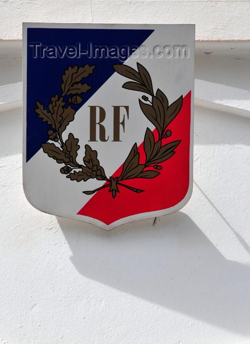 reunion194: Saint-Denis, Réunion: tricolor shield with RF - laurel and olive branches - Rue de l'Amiral Lacaze - Tresorerie Municipale - Trésor Publique - photo by M.Torres - (c) Travel-Images.com - Stock Photography agency - Image Bank