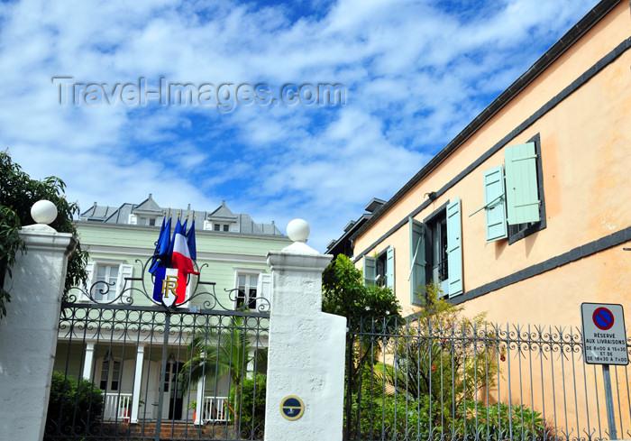 reunion198: Saint-Denis, Réunion: creole house - public building on Avenue de la Victoire - photo by M.Torres - (c) Travel-Images.com - Stock Photography agency - Image Bank