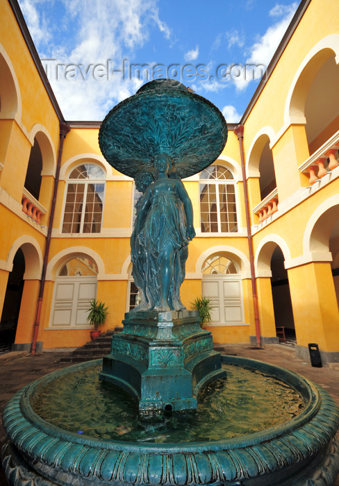 reunion210: Saint-Denis, Réunion: fountain in the inner court of the old City Hall - Hôtel de Ville - photo by M.Torres - (c) Travel-Images.com - Stock Photography agency - Image Bank