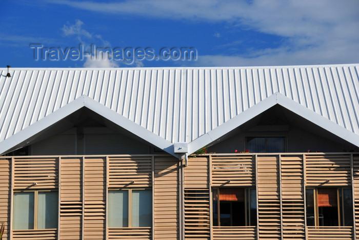 reunion240: Saint-Denis, Réunion: building on Rue Juliette Dodu - photo by M.Torres - (c) Travel-Images.com - Stock Photography agency - Image Bank