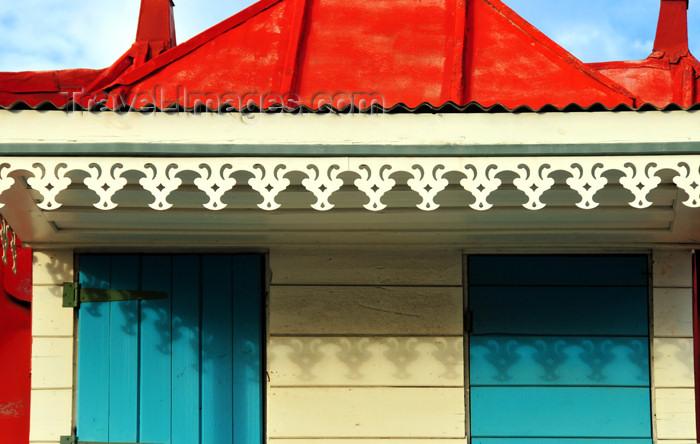 reunion244: Saint-Denis, Réunion: creole shop with ornamental band - Lambrequins d'une Boutique créole - 'Maison Astuces' - Rue Jean Chatel - photo by M.Torres - (c) Travel-Images.com - Stock Photography agency - Image Bank