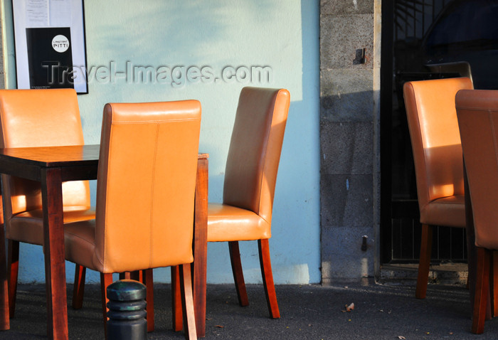 reunion248: Saint-Denis, Réunion: tables outside Instant Pitti, Rue Rontaunay - photo by M.Torres - (c) Travel-Images.com - Stock Photography agency - Image Bank