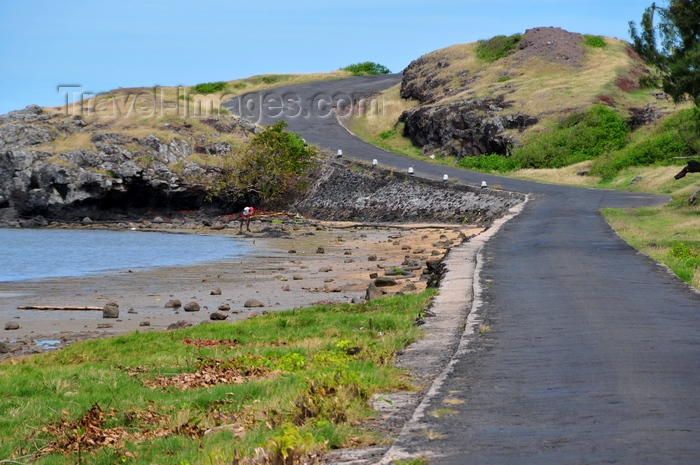 rodrigues22: Anse Mourouk, Rodrigues island, Mauritius: coastal road - photo by M.Torres - (c) Travel-Images.com - Stock Photography agency - Image Bank