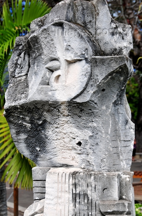 rodrigues56: Port Mathurin, Rodrigues island, Mauritius: modern sculpture - photo by M.Torres - (c) Travel-Images.com - Stock Photography agency - Image Bank