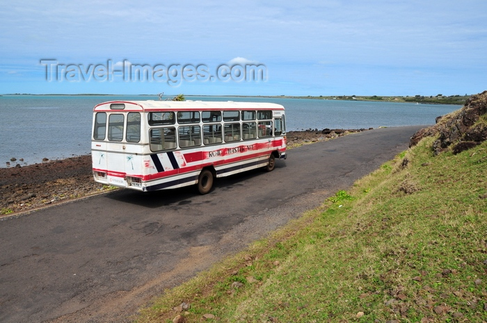 rodrigues7: Anse Tamarin, Rodrigues island, Mauritius: local bus on the coastal road - left-hand traffic common in former British colonies - photo by M.Torres - (c) Travel-Images.com - Stock Photography agency - Image Bank
