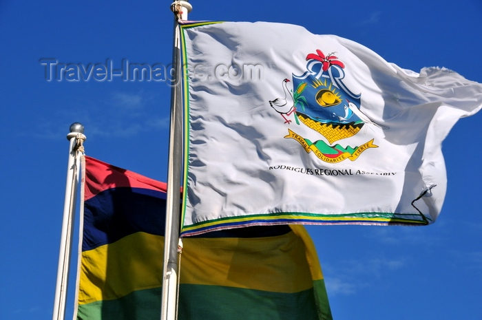 rodrigues77: Plaine Corail, Rodrigues island, Mauritius: flags of Rodrigues Island and Mauritius - photo by M.Torres - (c) Travel-Images.com - Stock Photography agency - Image Bank