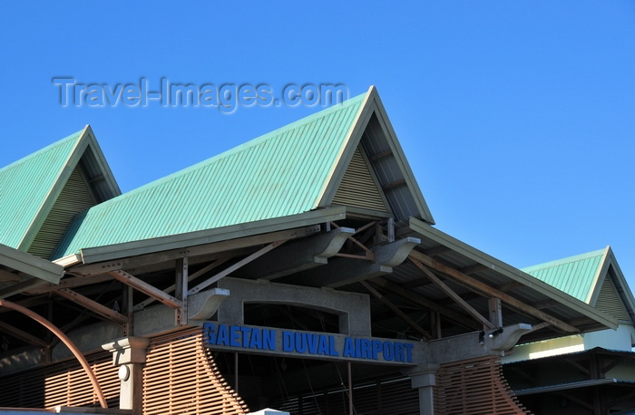 rodrigues78: Plaine Corail, Rodrigues island, Mauritius: Sir Gaëtan Duval (Rodrigues) Airport - steep roofs of the terminal building, airside - photo by M.Torres - (c) Travel-Images.com - Stock Photography agency - Image Bank