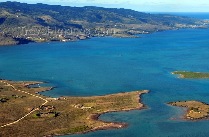 rodrigues80: Pointe Caverne, Rodrigues island, Mauritius: the headland and the nearby île Pintades and île Paille en Queue islets - southwest coast - photo by M.Torres - (c) Travel-Images.com - Stock Photography agency - Image Bank