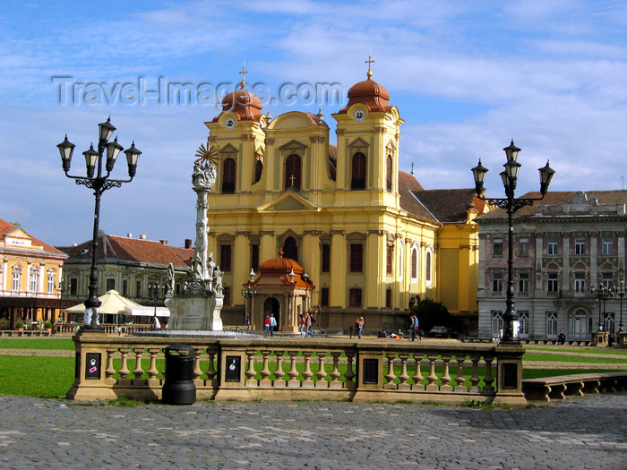romania51: Romania - Timisoara: Unirii square - Catholic Cathedral - the Dome - Dom - Biserica Romano-Catolica din Timisoara - photo by *ve - (c) Travel-Images.com - Stock Photography agency - Image Bank