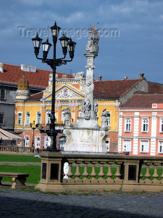 romania53: Romania - Timisoara: Unirii square - Trinity column - photo by *ve - (c) Travel-Images.com - Stock Photography agency - Image Bank