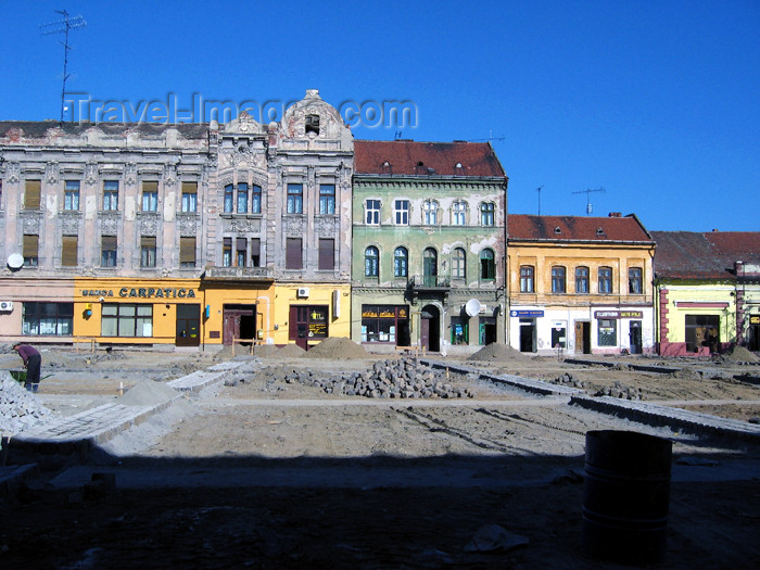romania61: Romania - Timisoara: square - photo by *ve - (c) Travel-Images.com - Stock Photography agency - Image Bank