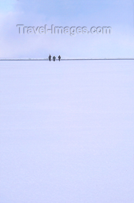 russia22: Lake Baikal, Irkutsk oblast, Siberian Federal District, Russia: three people on the horizon - Buryats on the frozen lake surface - winter scene -  UNESCO World Heritage site - photo by B.Cain - (c) Travel-Images.com - Stock Photography agency - Image Bank