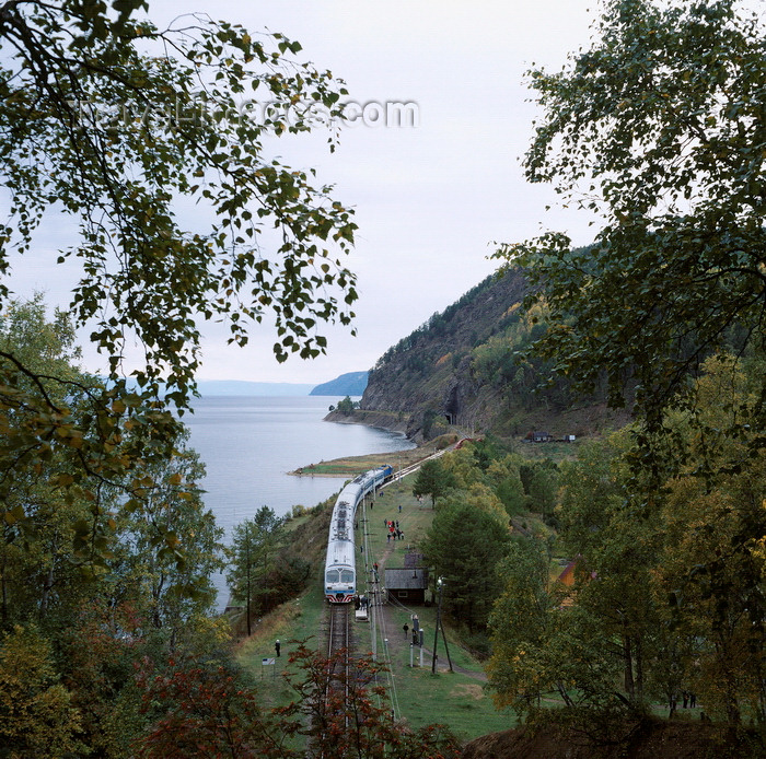 russia23: Lake Baikal, Irkutsk oblast, Siberia, Russia: train stopping on the old part of the Transsiberian railway, between Port Baikal and Sludjanka - Maritui - Circum-Baikal Railway - photo by A.Harries - (c) Travel-Images.com - Stock Photography agency - Image Bank