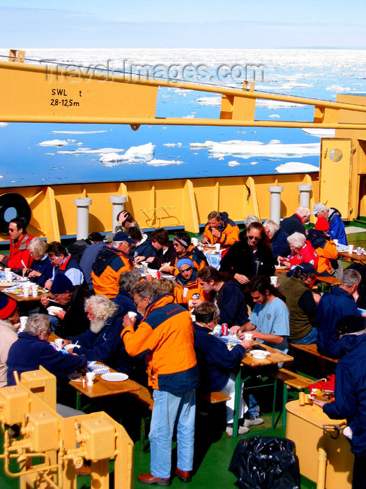 russia425: Russia - Bering Strait (Chukotka AOk): Kapitan Khlebnikov - BBQ on the foredeck - party on an icebreaker (photo by R.Eime) - (c) Travel-Images.com - Stock Photography agency - Image Bank