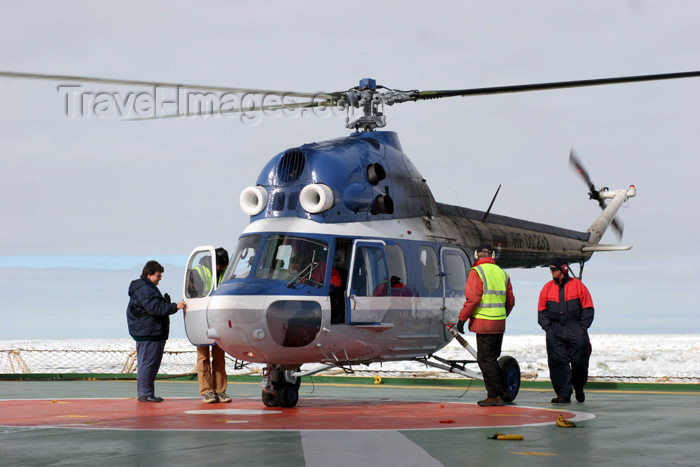russia427: Russia - Bering Strait (Chukotka AOk): MIl MI-2 Hoplite - preparing for helicopter flightseeing (photo by R.Eime) - (c) Travel-Images.com - Stock Photography agency - Image Bank