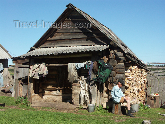 russia445: Russia - Udmurtia - Izhevsk: by the wood shed - photo by P.Artus - (c) Travel-Images.com - Stock Photography agency - Image Bank