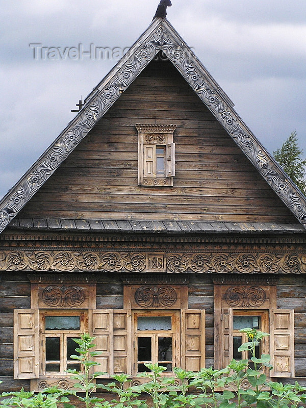 russia513: Russia - Suzdal - Vladimir oblast: timber house - Museum of wooden architecture & peasant life - photo by J.Kaman - (c) Travel-Images.com - Stock Photography agency - Image Bank