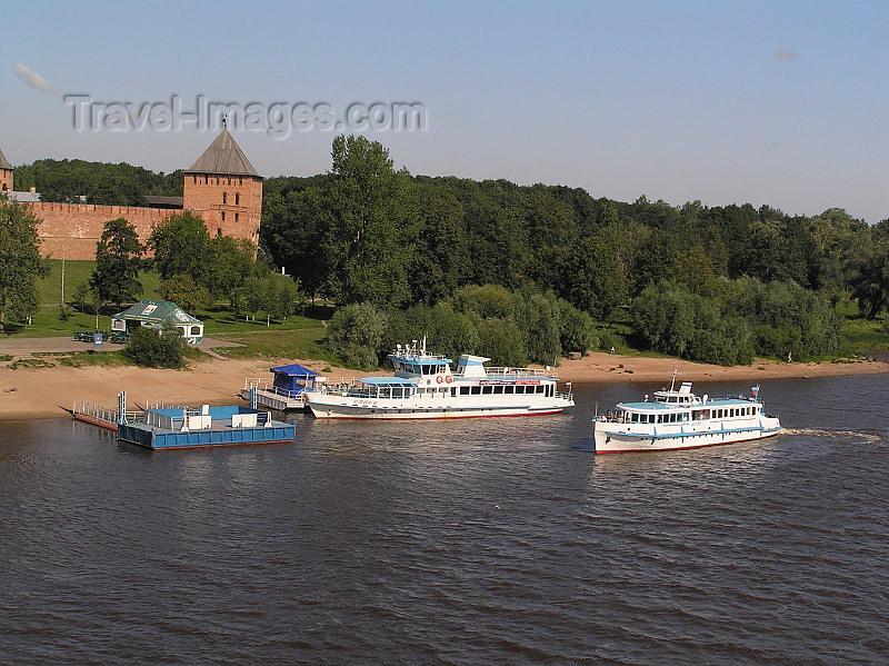 russia542: Russia - Velikiy Novgorod: Kremlin and Volkhov river - photo by J.Kaman - (c) Travel-Images.com - Stock Photography agency - Image Bank
