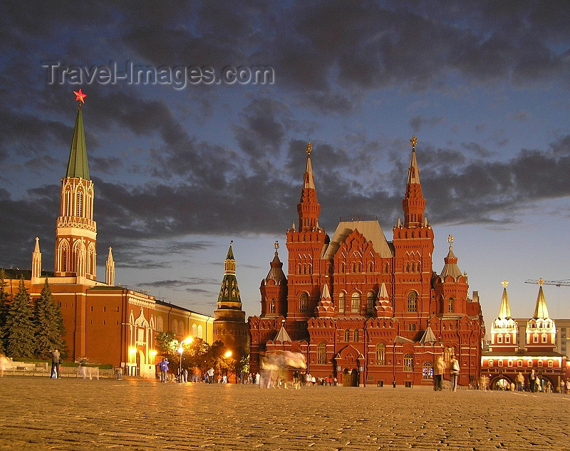 russia668: Russia - Moscow: Red Square at night - History Museum - photo by J.Kaman - (c) Travel-Images.com - Stock Photography agency - Image Bank