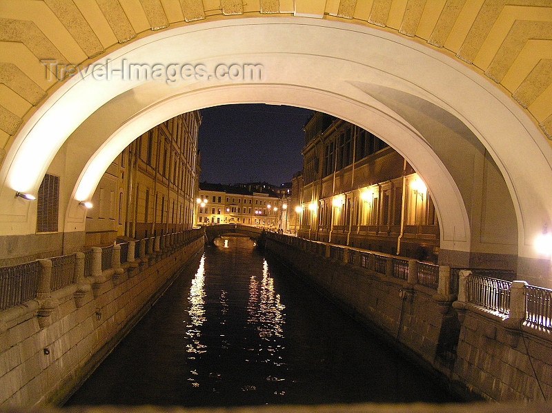 russia712: Russia - St Petersburg: One of many canals - nocturnal - photo by J.Kaman - (c) Travel-Images.com - Stock Photography agency - Image Bank