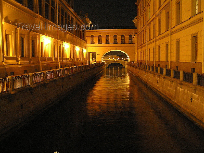 russia714: Russia - St Petersburg: canal view - nocturnal - photo by J.Kaman - (c) Travel-Images.com - Stock Photography agency - Image Bank