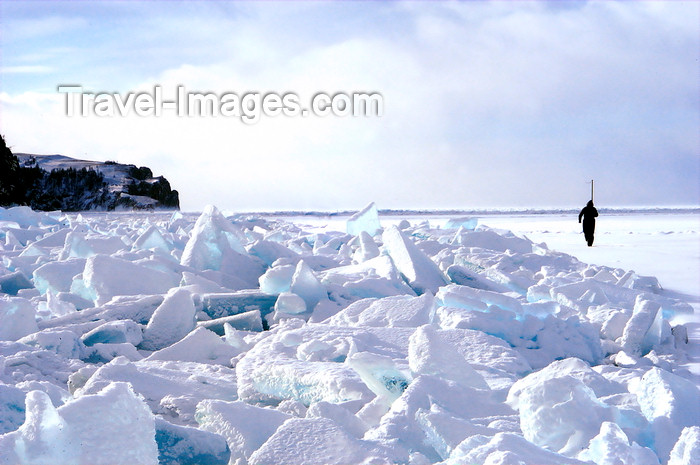 russia753: Lake Baikal, Irkutsk oblast, Siberian Federal District, Russia: ice shards along the shore of Olkhon island - photo by B.Cain - (c) Travel-Images.com - Stock Photography agency - Image Bank