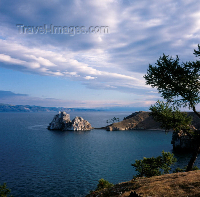 russia764: Lake Baikal, Irkutsk oblast, Siberia, Russia: Chuzir, Olkhon / Olchon Island in Lake Baikal, Rock of the Shaman, traditional sacred and religious place - cape Burkhan - photo by A.Harries - (c) Travel-Images.com - Stock Photography agency - Image Bank