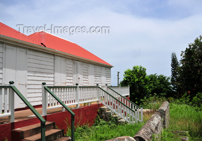 saba28: Windwardside, Saba: white cottage covered in shingles - photo by M.Torres - (c) Travel-Images.com - Stock Photography agency - Image Bank