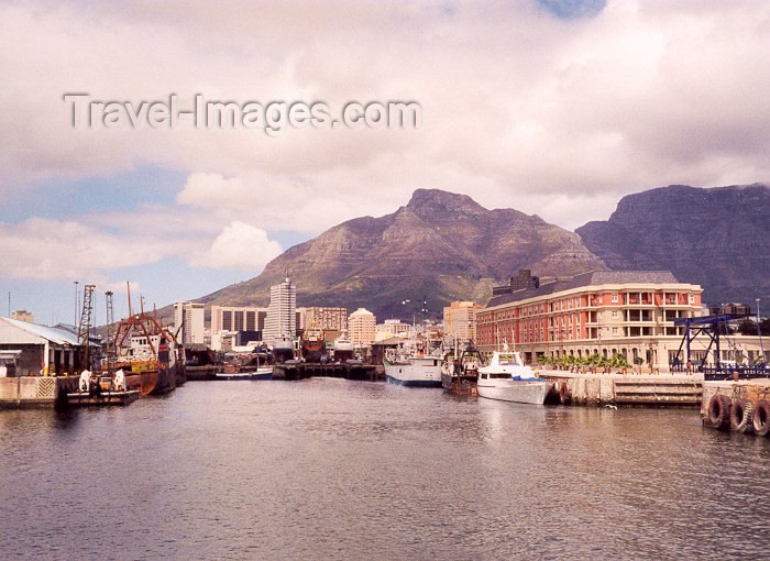 safrica10: South Africa - Cape Town: sailing away from the Mother City - photo by M.Torres - (c) Travel-Images.com - Stock Photography agency - Image Bank
