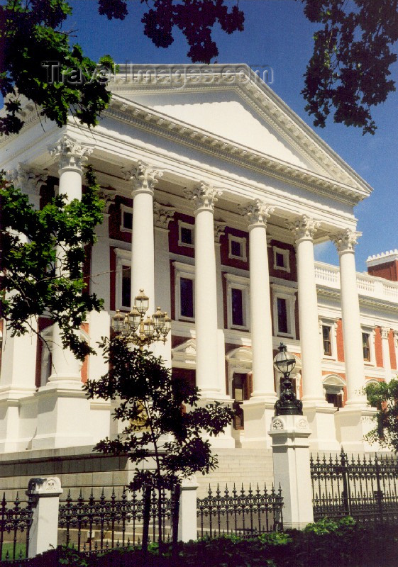 safrica27: South Africa - Cape Town: neo-classical High Victorian style - the Houses of Parliament - Government avenue - photo by M.Torres - (c) Travel-Images.com - Stock Photography agency - Image Bank