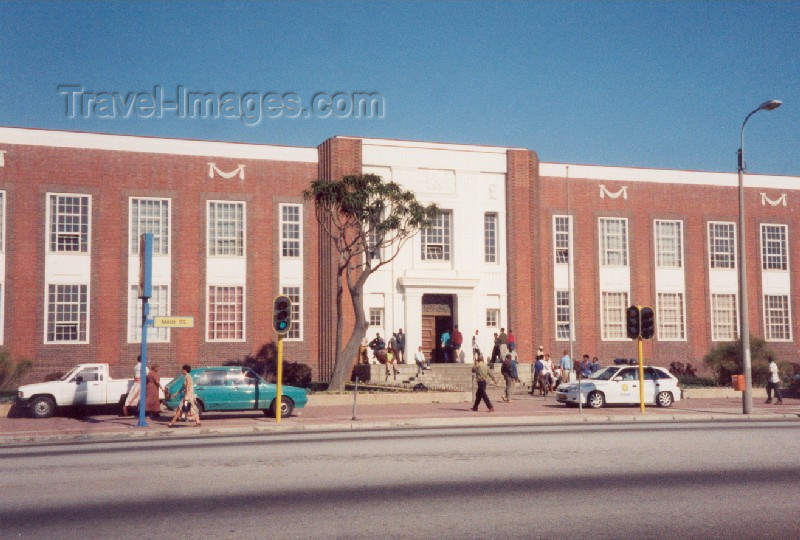 safrica35: Port Elizabeth / PLZ, Eastern Cape province, South Africa: main street - photo by M.Torres - (c) Travel-Images.com - Stock Photography agency - Image Bank