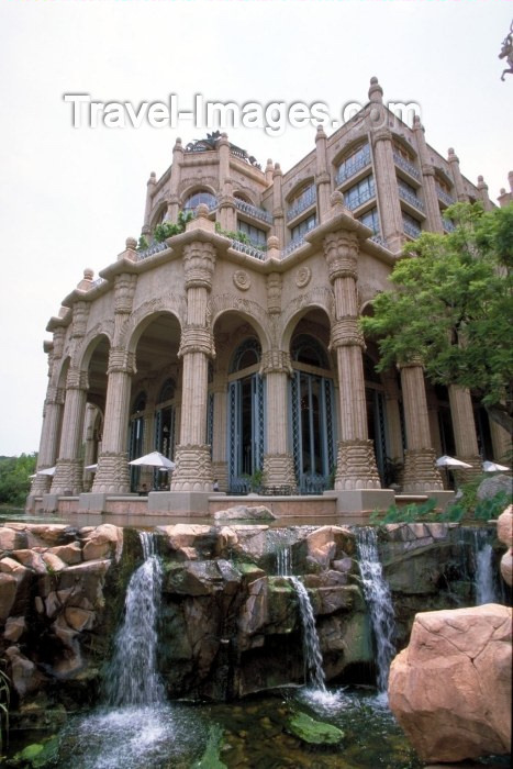 safrica40: South Africa - Sun City (Northwest province): Palace of the Lost City - photo by R.Eime - (c) Travel-Images.com - Stock Photography agency - Image Bank