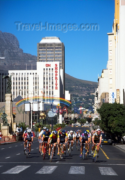 safrica72: South Africa - Cape Town: Cape Argus Cycle Classic - bikes - photo by R.Eime - (c) Travel-Images.com - Stock Photography agency - Image Bank