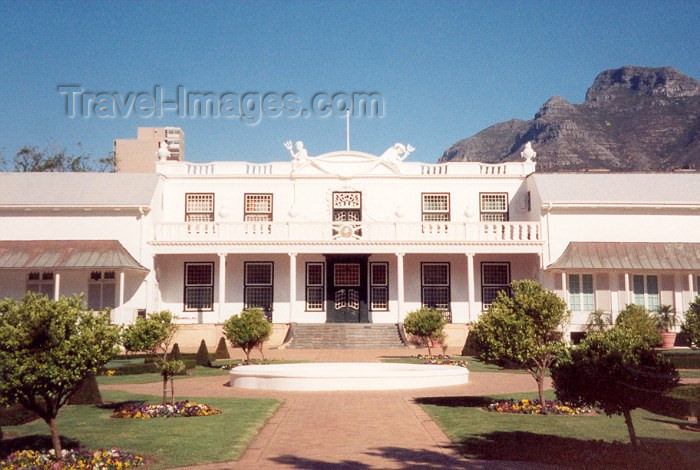 safrica8: Cape Town, Western Cape, South Africa: Tuynhuys - Garden House - the Cape Town office of the Presidency of the Republic - colonial touch by the Company Gardens - architect Louis Michel Thibault - photo by M.Torres - (c) Travel-Images.com - Stock Photography agency - Image Bank